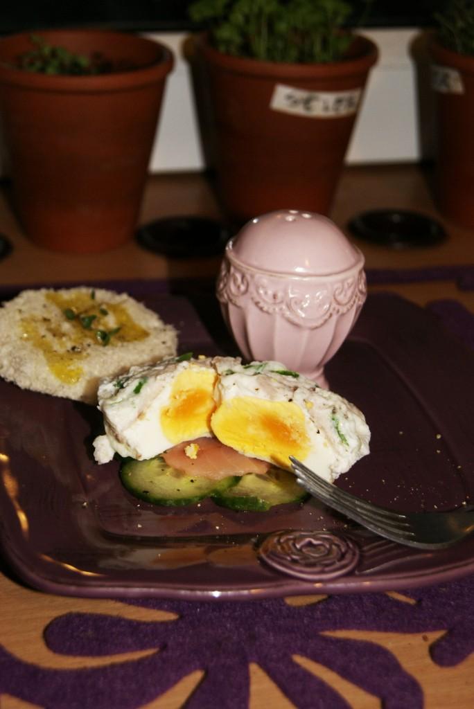 Jajka gotowane w miseczkach