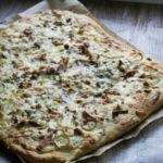Pizza z kurkami i sosem śmietanowo – serowym