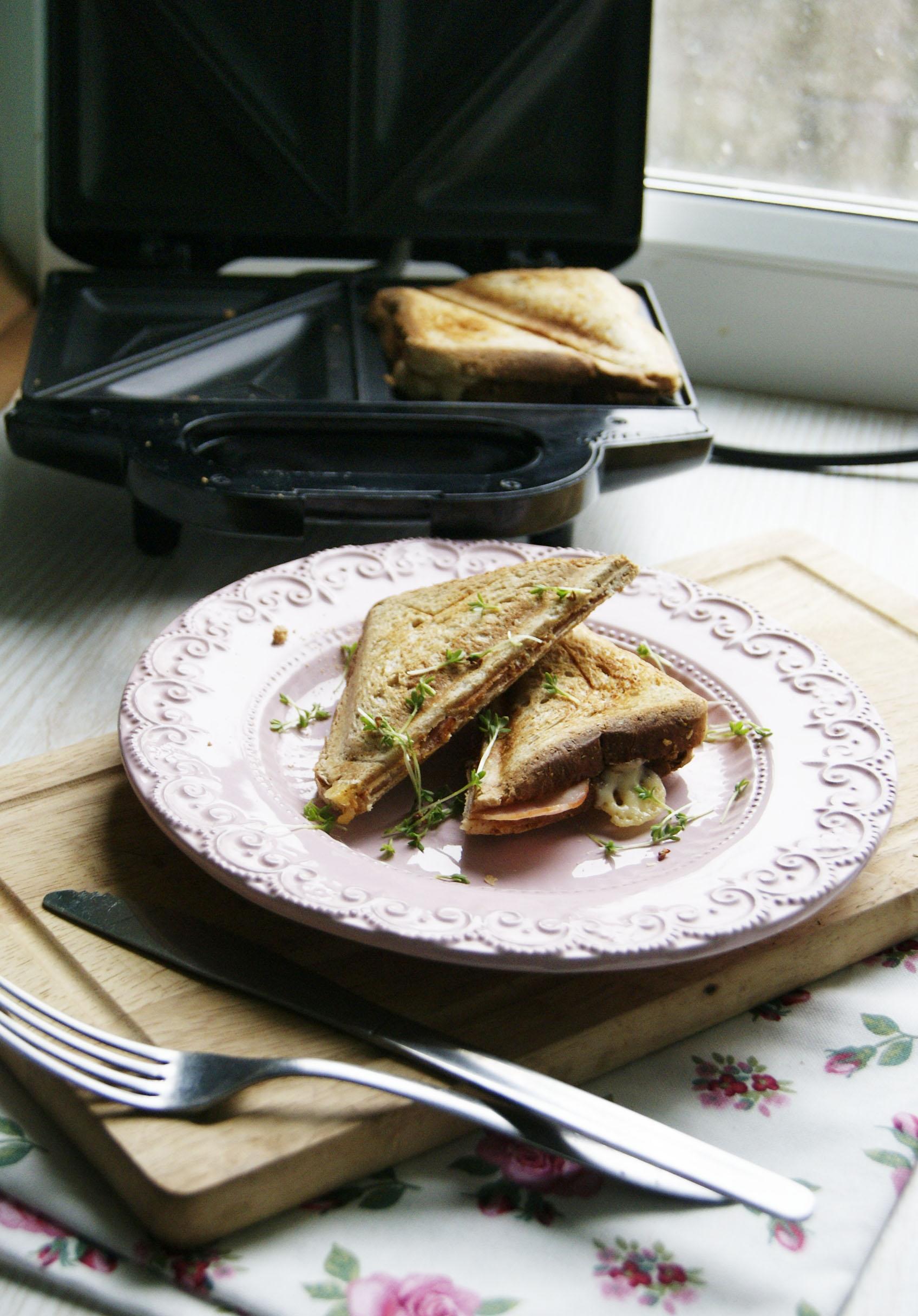 tosty-z-szynka-i-serem
