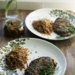 Filety z kurczaka w panierce z suszonych grzybów i orzechów