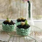 Cytrynowe muffinki koszyczki z marcepanowymi jajeczkami