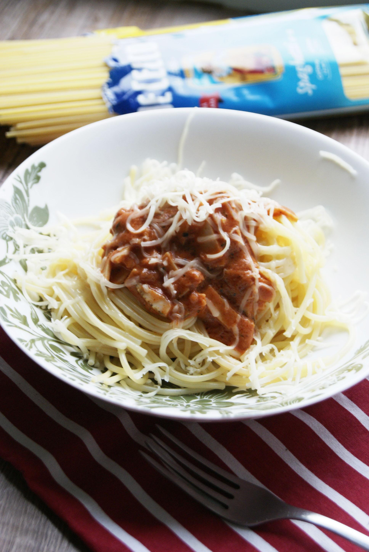 spaghetti-rossa-z-szynka