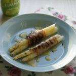 Szparagi z limonkowym sosem holenderskim