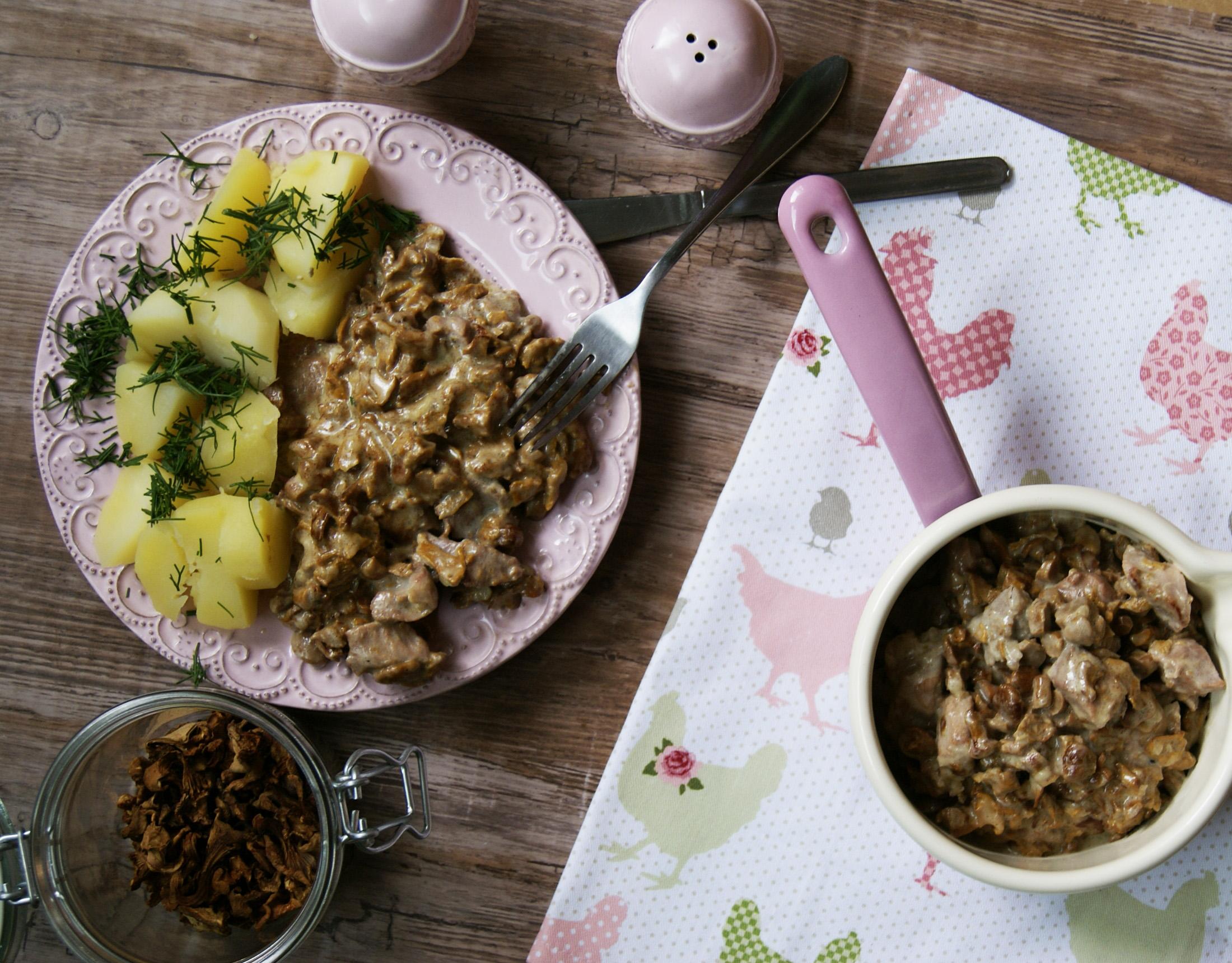 udziec z indyka w sosie kurkowym