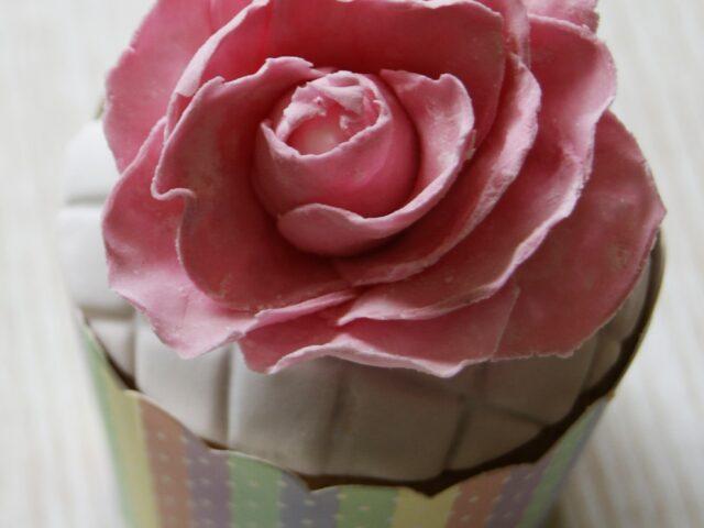 Muffinki z różami