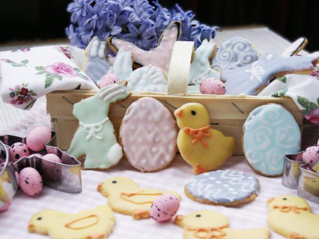 Wielkanocne ciasteczka lukrowane