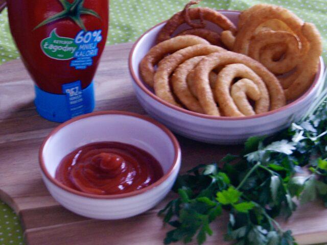Ziemniaczane spirale z ketchupem