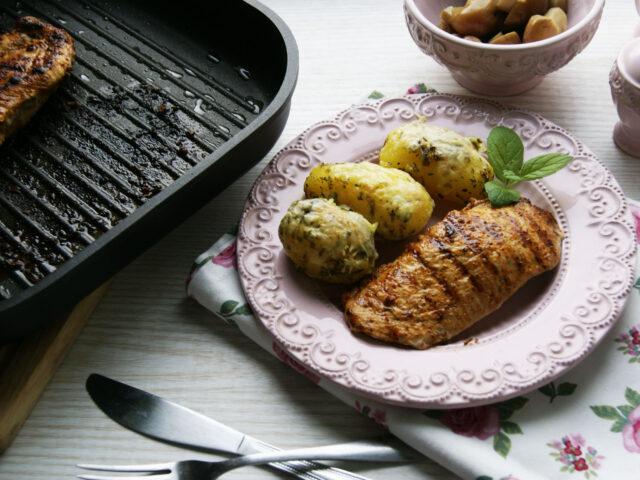 Test patelni grillowej Rohe Germany i grillowany kurczak w jogurtowej marynacie z ziemniakami zapiekanymi z serem
