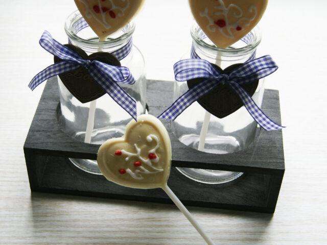 Czekoladowe lizaki na walentynkowy prezent